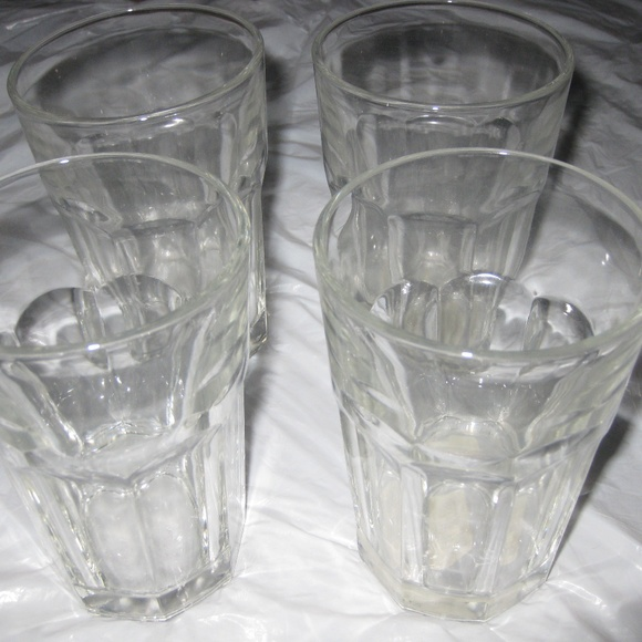 New SET of 4 Kitchen Dining GLASSES, CLEAR COLOR NWT